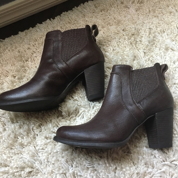 fff7aa32bfe Ugg Faye ankle boots
